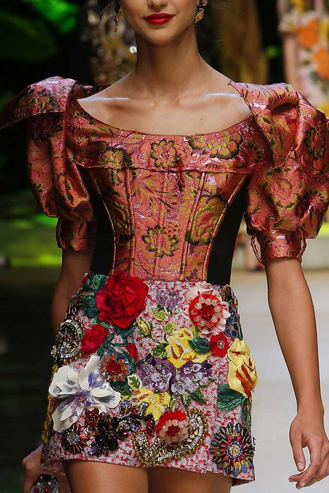 2017-spring-summer-fashion-trends-latest-ss17-style-dolce-gabbana-floral-applique