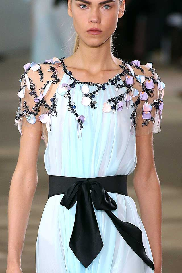 2017-spring-summer-fashion-trends-latest-ss17-style-monique-lhuillier-floral-applique