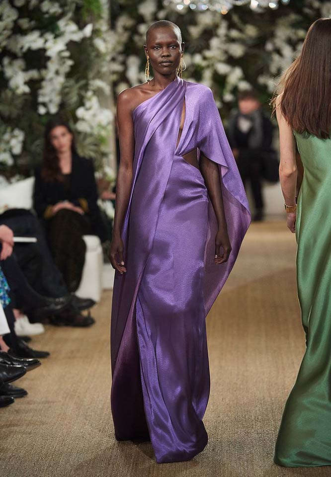 31-ralph-lauren-fall-winter-2017-fw17-collection-purple-satin-gown