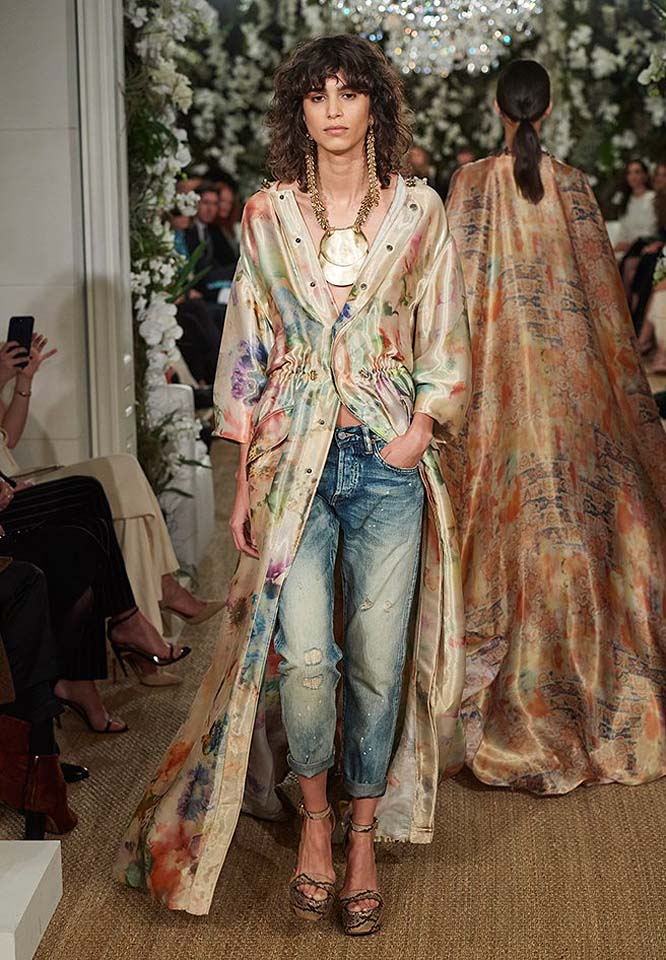 36-ralph-lauren-fall-winter-2017-fw17-collection-front-slit-top-watercolors-cropped-jeans-pendent