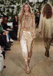 7-ralph-lauren-fall-winter-2017-fw17-collection-satin-pants-cropped-printed-jacket-neckpiece