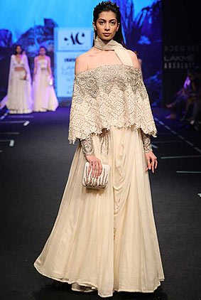 Abha-Chowdhary-lakme-fashion-week-s17-summer-resort-2017-dress-2-off-white-outfit