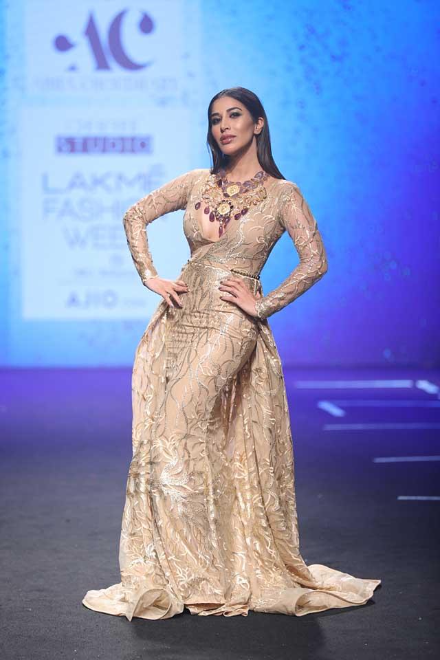 Abha-Chowdhary-lakme-fashion-week-s17-summer-resort-2017-dress (4)-sophie chaudhary-metallic-gown