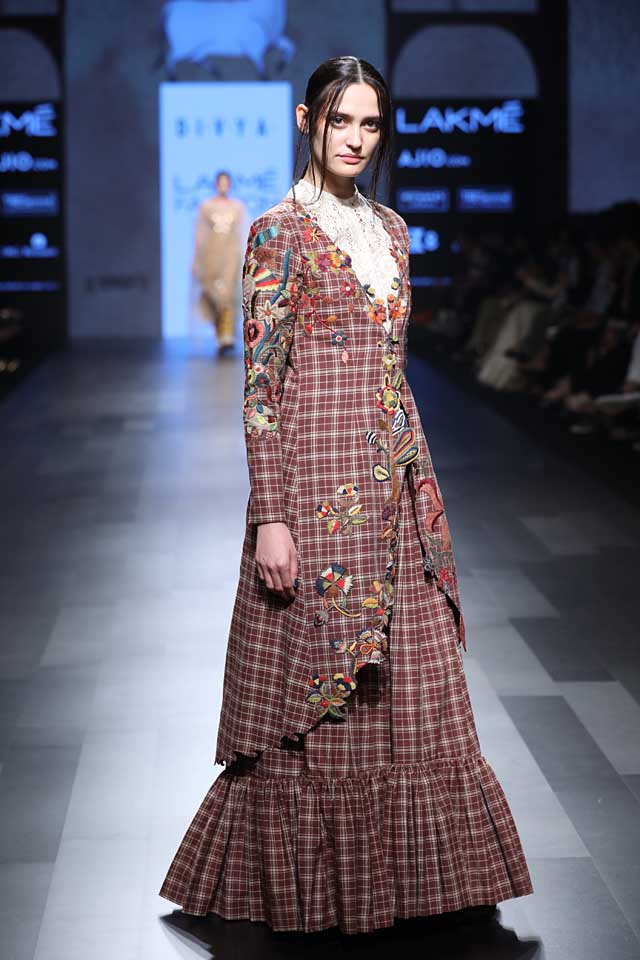 Amoh-Jade-SVA-divya sheth-lakme-fashion-week-sr17-checks-floral