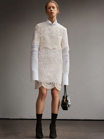 Burberry-fw-fall-winter-2017-18-collection-13-oversized-sleeves-white-dress