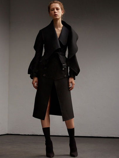 Burberry-fw-fall-winter-2017-18-collection-24-black-coat