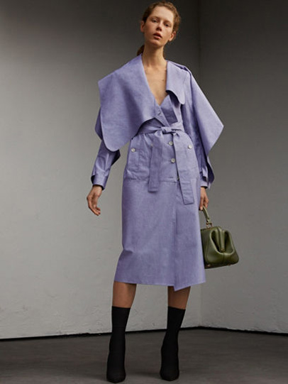 Burberry-fw-fall-winter-2017-18-collection-37-lavender-coat-dress