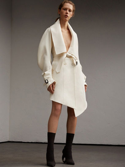 Burberry-fw-fall-winter-2017-18-collection-6-full-sleeved-coat-dress