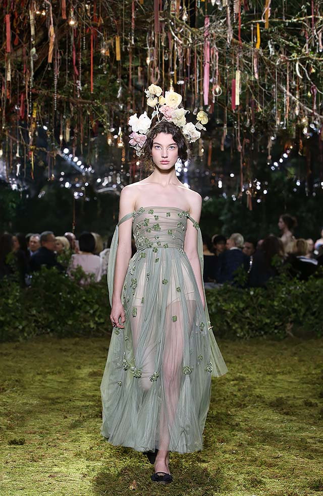Dior-Haute-Couture-SS17-Look-32-strapless-green-floral-head-band-spring-summer-2017 (1)