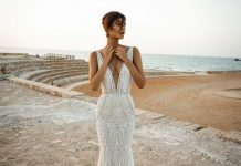 GaliaLahav-bridal-collection-spring-summer-2017-wedding-gowns-designer-beautiful (14)-plunging-neckline