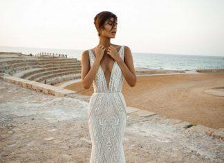 GaliaLahav-bridal-collection-spring-summer-2017-wedding-gowns-designer-beautiful (14)-plunging-neckline