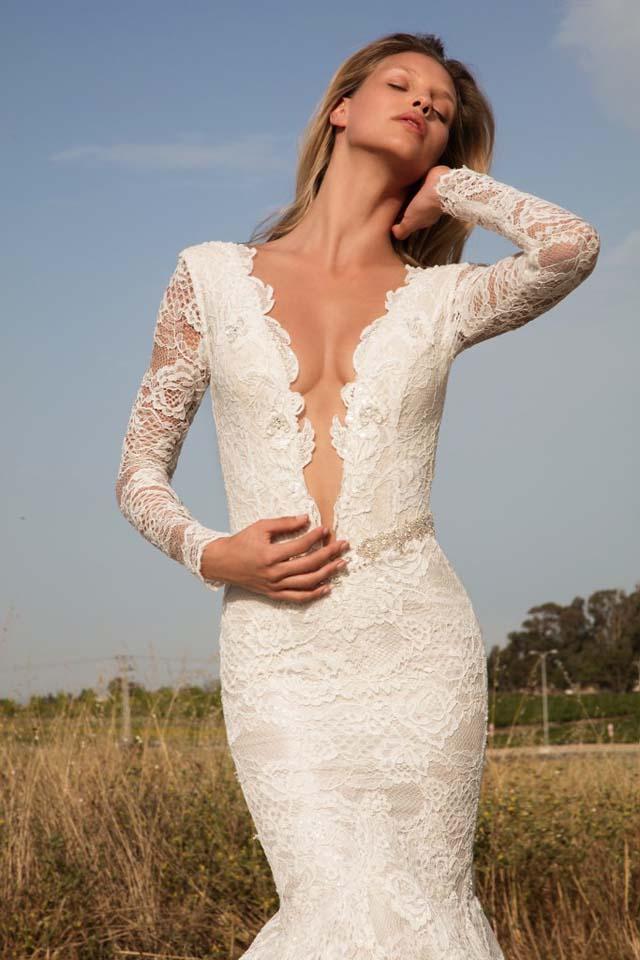 GaliaLahav-bridal-collection-spring-summer-2017-wedding-gowns-designer-beautiful (27)-plunging-neckline