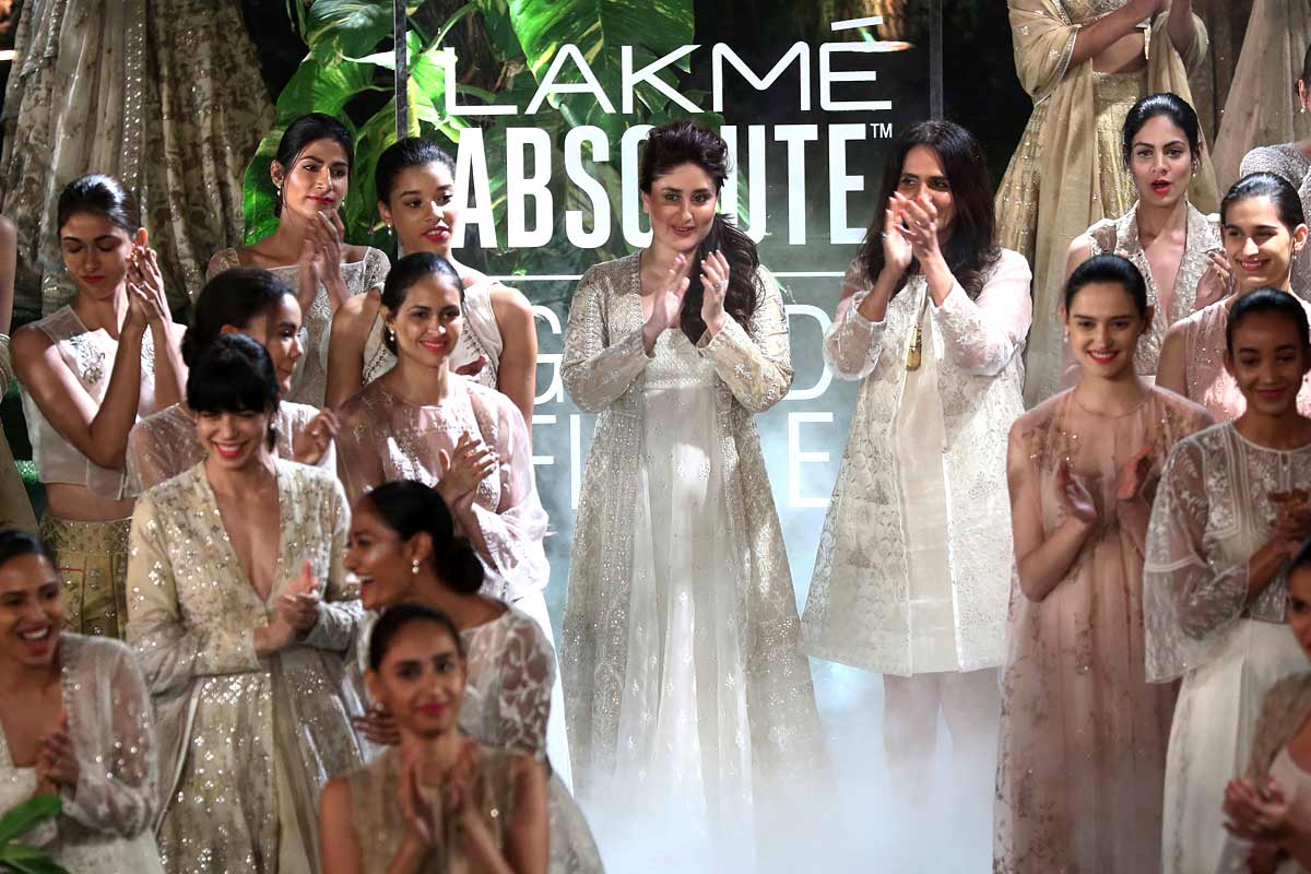 Lakme-Absolute-Brand-Ambassador-Kareena-Kapoor-Khan-and-Lakme-Grand-Fina..