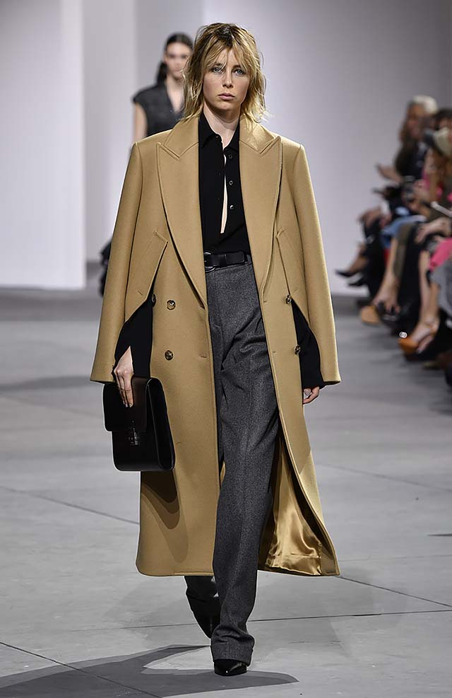 Michael-kors-fall-winter-2017-collection-fw17-1-grey-formal-pants-black-shirt-brown-coat