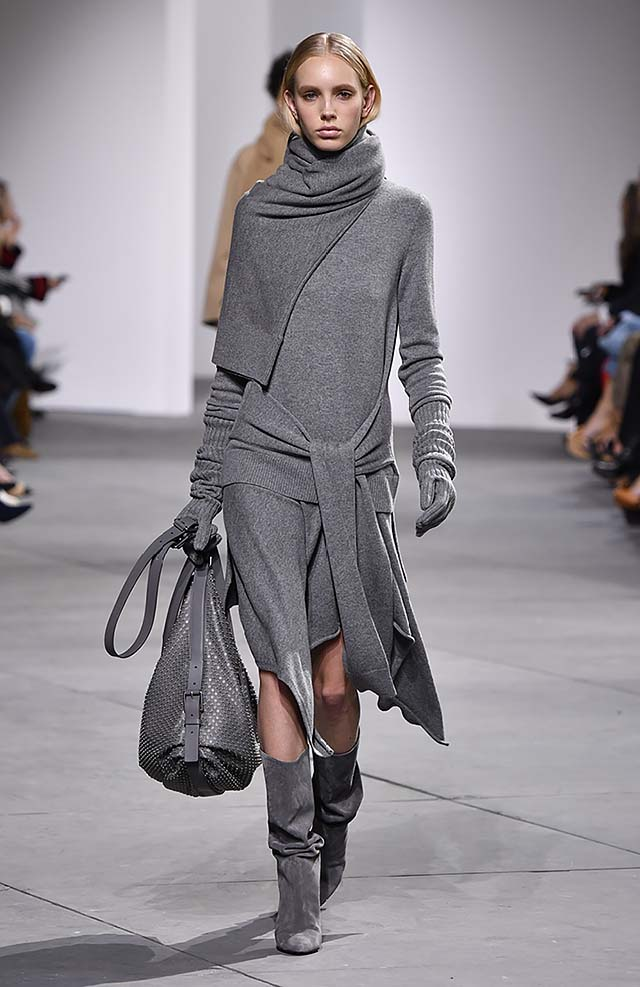Michael-kors-fall-winter-2017-collection-fw17-13-sweater-dress-grey-bag-full-sleeves