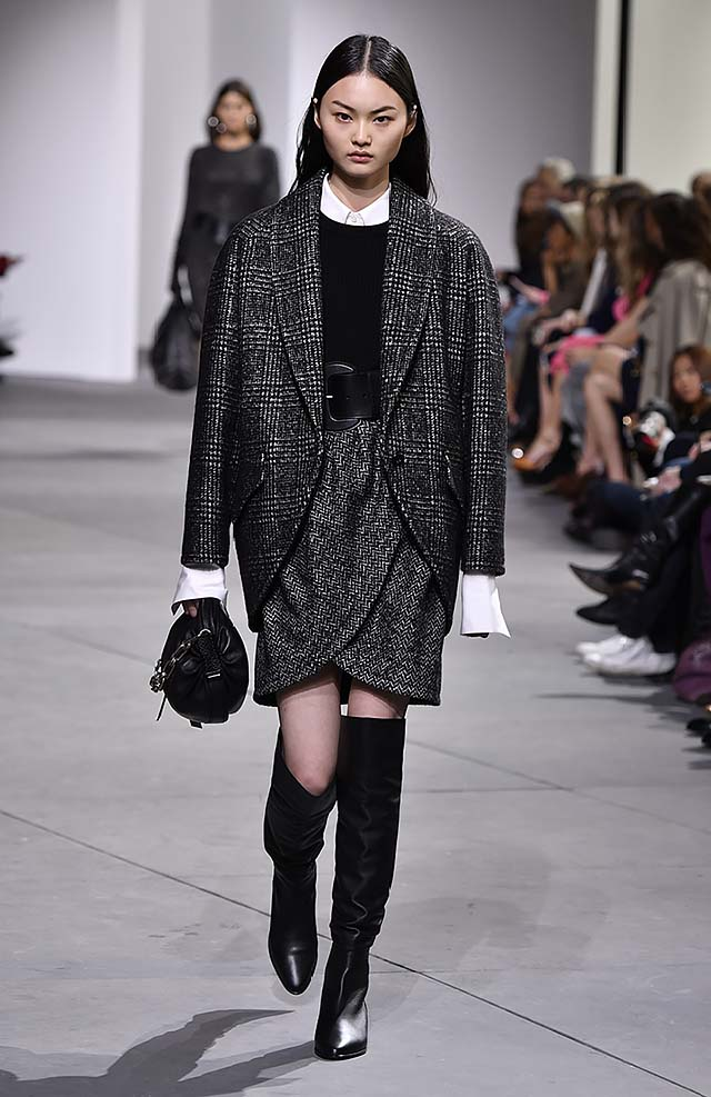Michael-kors-fall-winter-2017-collection-fw17-16-metallic-skirt-black-black-knee-high-boots