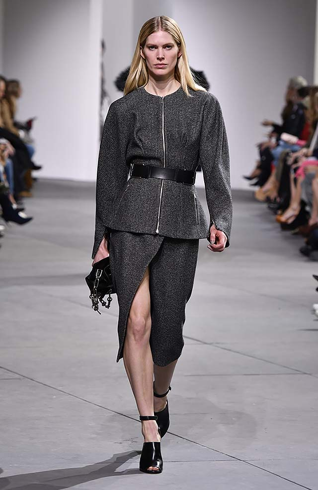 Michael-kors-fall-winter-2017-collection-fw17-23-zip-top-full-sleeved-slit-skirt