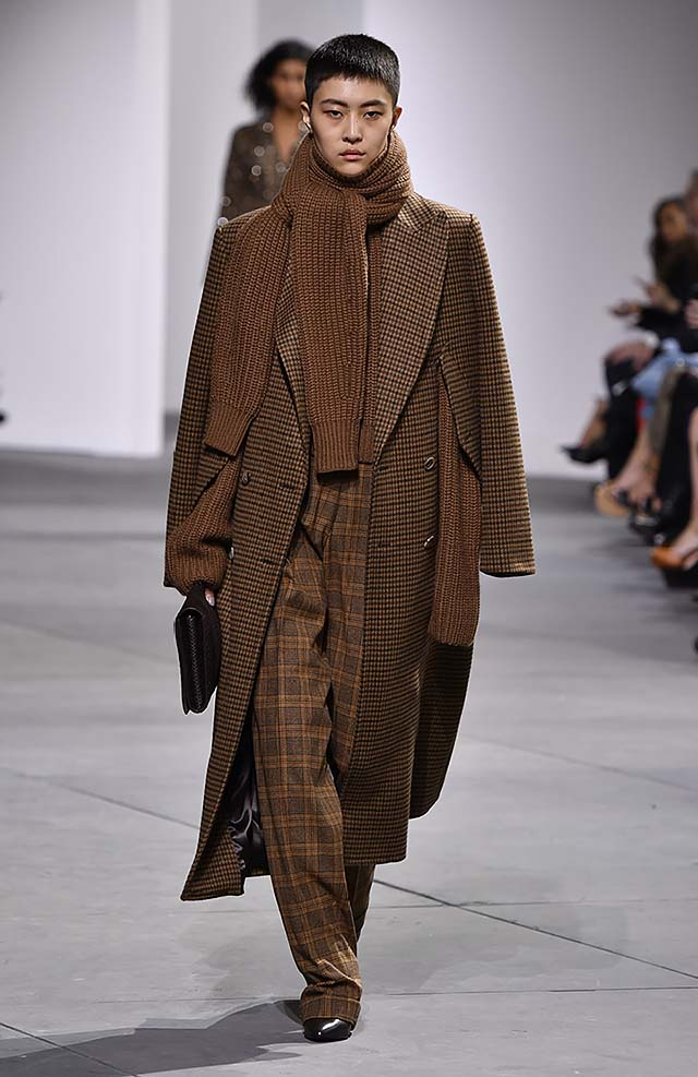 Michael-kors-fall-winter-2017-collection-fw17-28-checks-pant-sweater-long-jacket-menswear