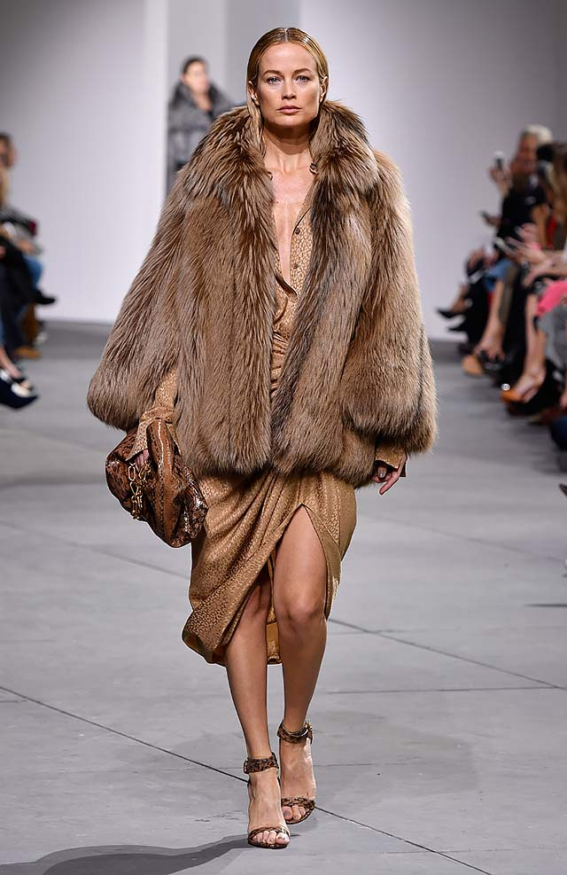 Michael-kors-fall-winter-2017-collection-fw17-3-brown-slit-dress-fur-coat-full-sleeved