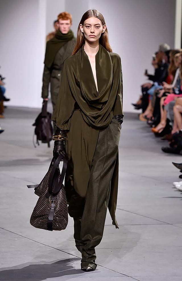 Michael-kors-fall-winter-2017-collection-fw17-30-satin-olive-green-dress-formal-pants