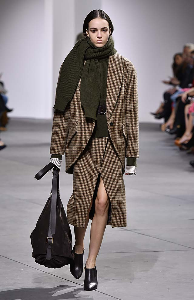 Michael-kors-fall-winter-2017-collection-fw17-40-checks-matching-suit-green-sweater