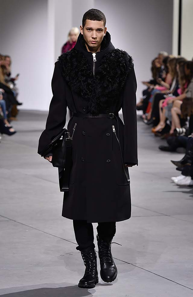 Michael-kors-fall-winter-2017-collection-fw17-52-black-ruffled-trench-coat