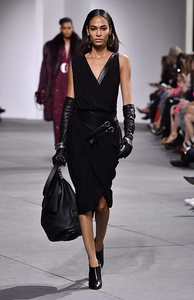 Michael-kors-fall-winter-2017-collection-fw17-55-sleevelss-assymetrical-dress-black-gloves