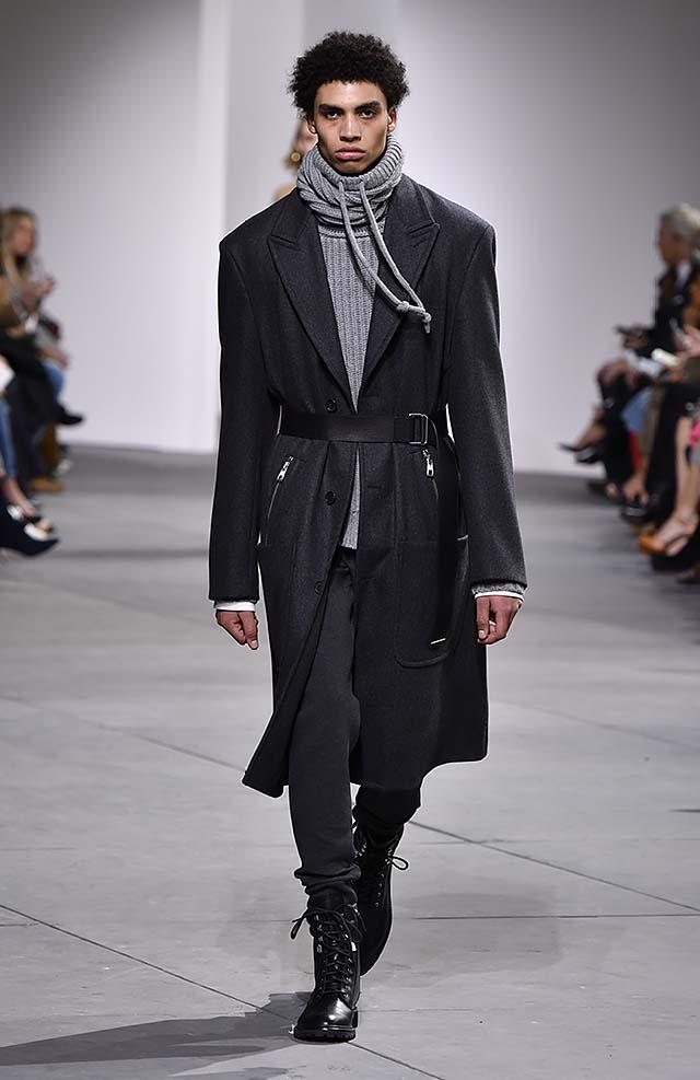 Michael-kors-fall-winter-2017-collection-fw17-7-grey-turtle-neck-tee-black-coat-dresses