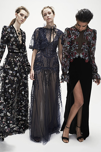 Monique-Lhuillier-fw17-rtw-fall-winter-2017-18-collection (5)-floral-gowns-high-slit