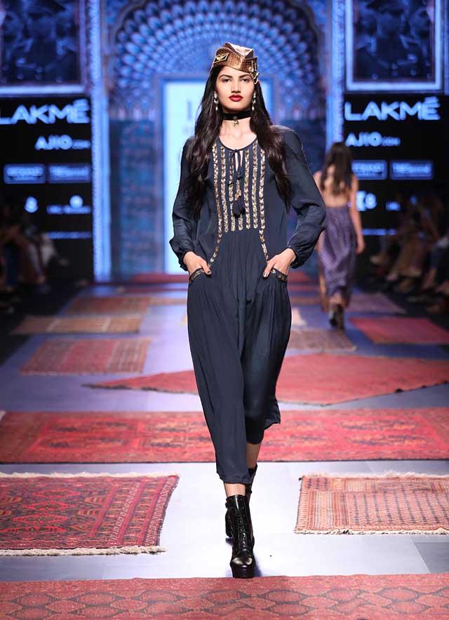 Ritu-kumar-LFW-SR-17-lakme-fashion-week-summer-2017-pocket-ankle-length-dress (20)