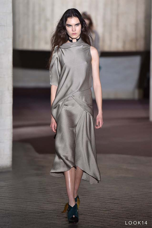 Roland-Mouret-fw17-rtw-fall-winter-2017-18-collection-14-grey-satin-dress