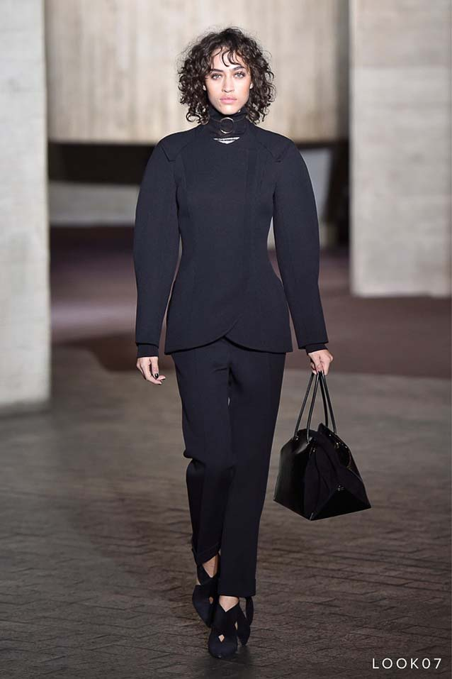 Roland-Mouret-fw17-rtw-fall-winter-2017-18-collection-7-black-matching-set