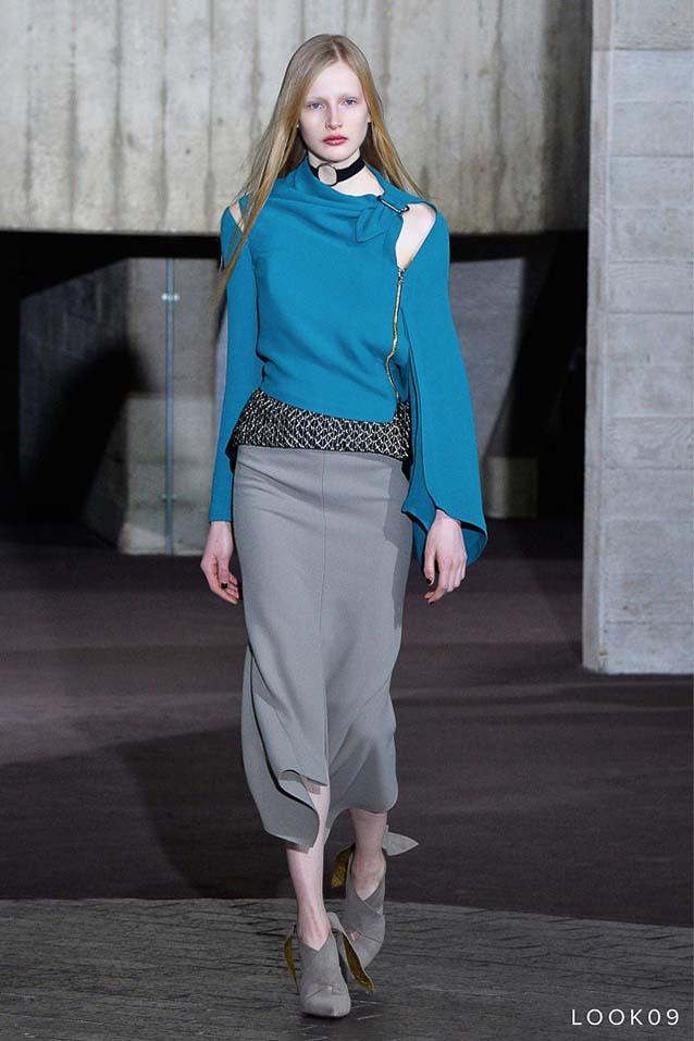 Roland-Mouret-fw17-rtw-fall-winter-2017-18-collection-9-zip-top-grey-skirt