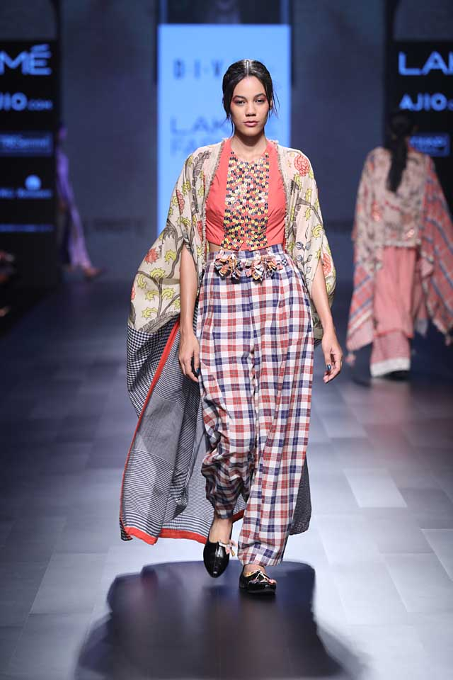 SVA-amoh-jade-divya-sheth-collection-summer-resort-lakme-fashion-week-2017