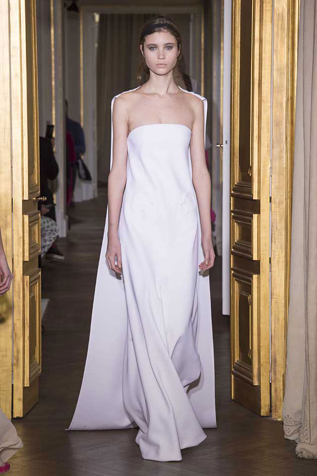 Schiaparelli-SS17-latest-gown-trends-spring-summer-2017-couture-20-white-cape-gown-goddess