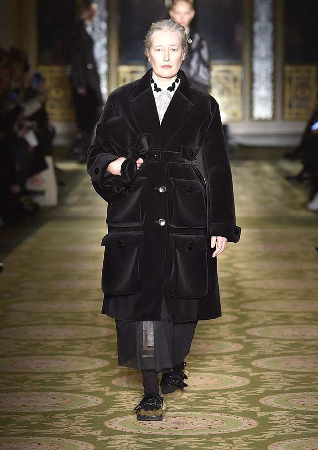 Simone-Rocha-fw17-rtw-fall-winter-2017-18-collection-19-black-velvet-jacket