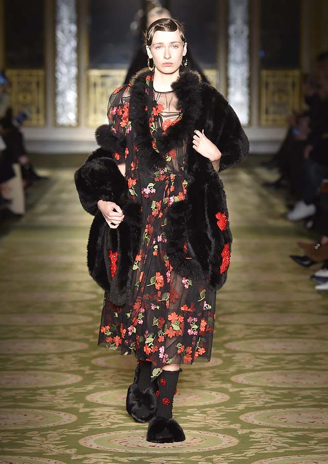 Simone-Rocha-fw17-rtw-fall-winter-2017-18-collection-2-fur-coat-dress-printed