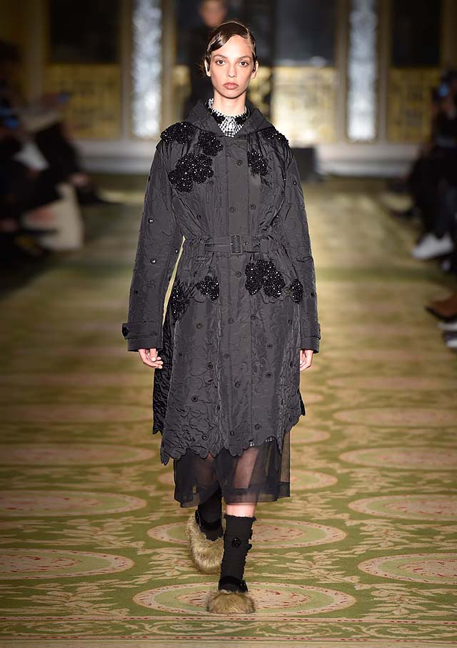 Simone-Rocha-fw17-rtw-fall-winter-2017-18-collection-28-black-applique-dress