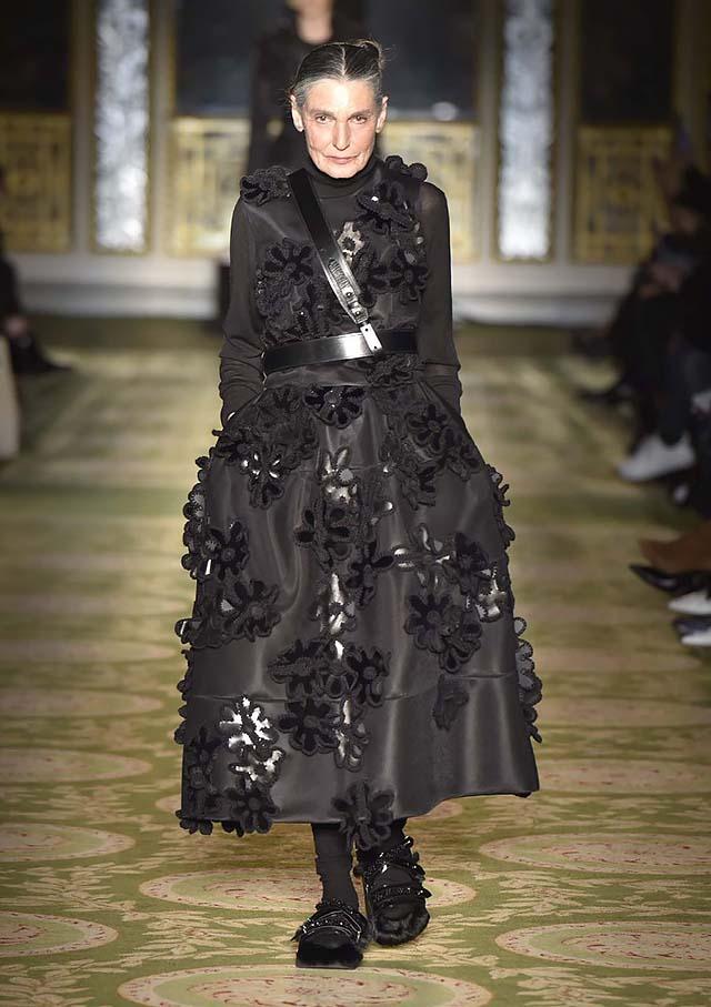 Simone-Rocha-fw17-rtw-fall-winter-2017-18-collection-30-dress-black