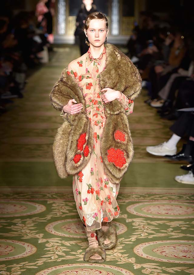 Simone-Rocha-fw17-rtw-fall-winter-2017-18-collection-36-small-floral-prints-dress
