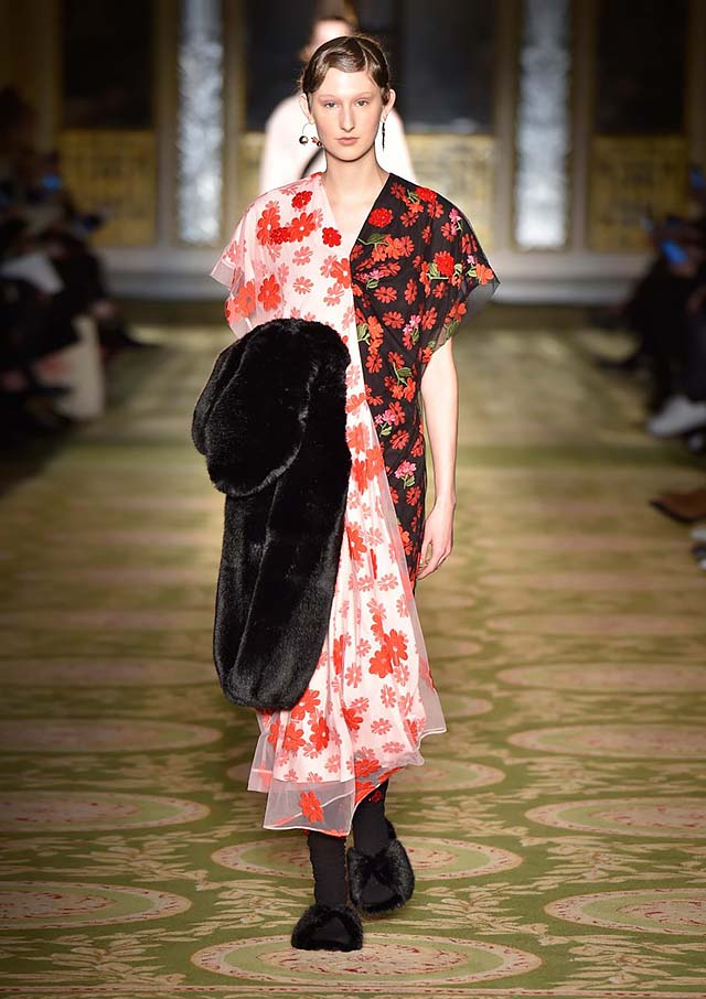 Simone-Rocha-fw17-rtw-fall-winter-2017-18-collection-38-red-floral-printed-dress