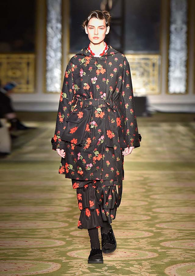 Simone-Rocha-fw17-rtw-fall-winter-2017-18-collection-4-red-floral-dress