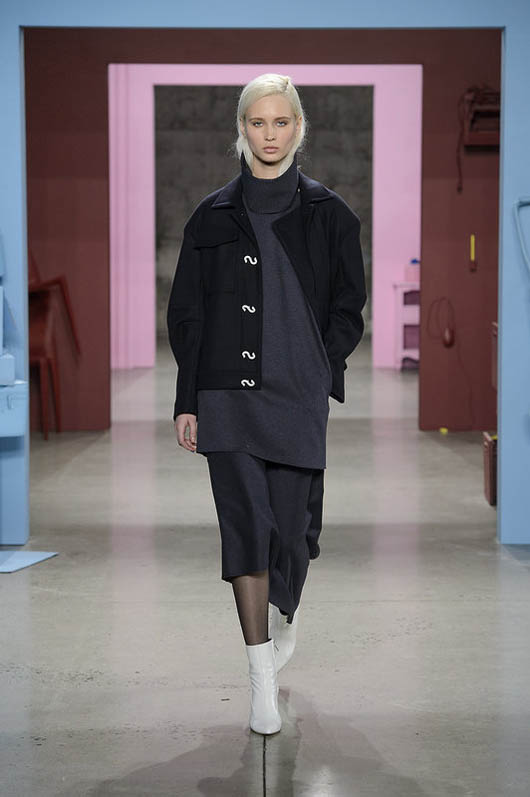 Tibi-fw17-rtw-fall-winter-2017-18-collection (15)-coat-white-shoes