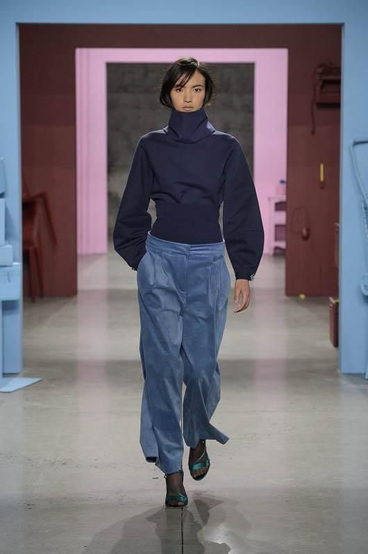 Tibi-fw17-rtw-fall-winter-2017-18-collection (16)-velvet-pants-turtleneck