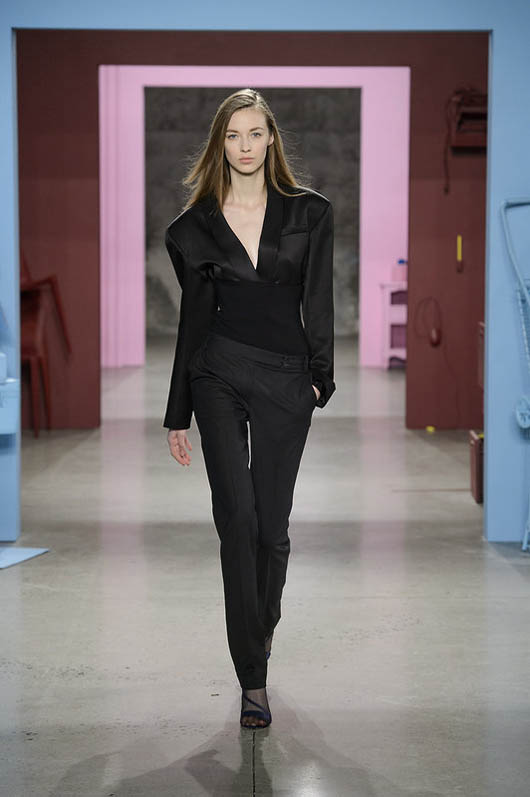 Tibi-fw17-rtw-fall-winter-2017-18-collection (28)-all-black-outfit