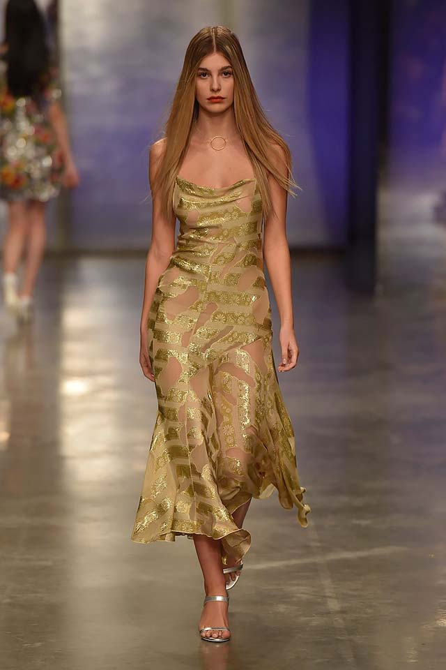 Topshop-Unique-fw17-rtw-fall-winter-2017-18-collection-13-gold-sequin-dress