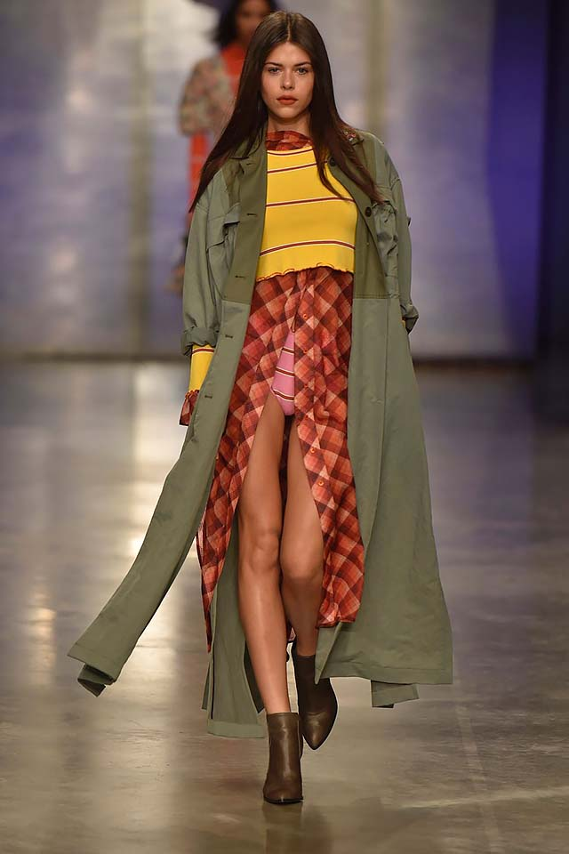 Topshop-Unique-fw17-rtw-fall-winter-2017-18-collection-3-green-jacket