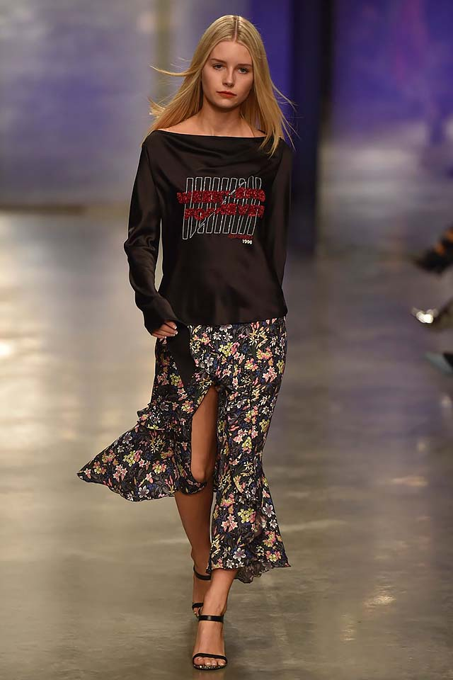 Topshop-Unique-fw17-rtw-fall-winter-2017-18-collection-7-slit-skirt-floral