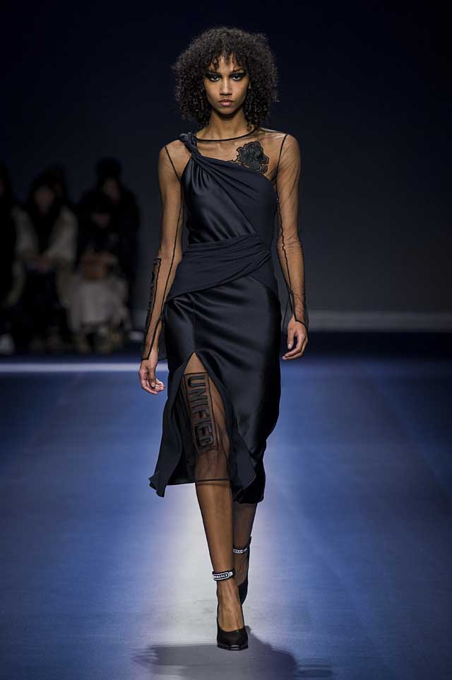 Versace-fw17-rtw-fall-winter-2017-18-collection (34)-sheer-dress-black