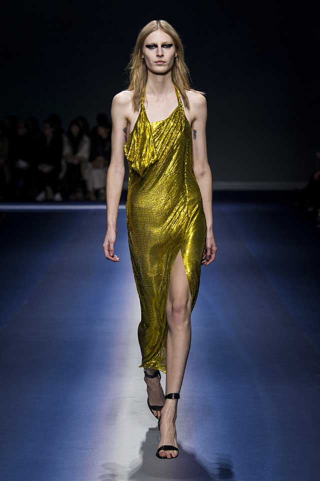 Versace-fw17-rtw-fall-winter-2017-18-collection (51)-metallic-gown-high-slit
